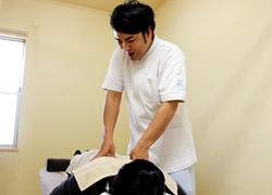 岩倉市ハンズ治療院・整骨院の腰痛施術